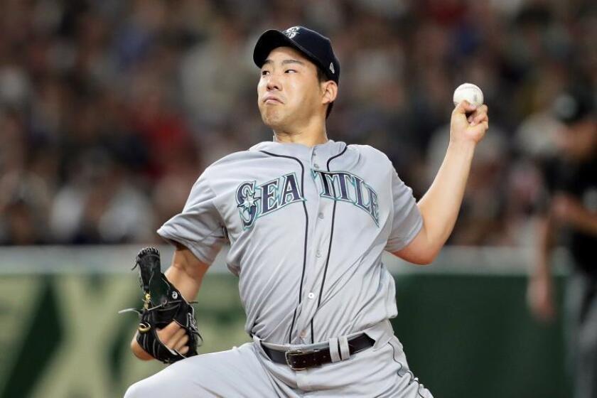 En la imagen, el lanzador japonés Yusei Kikuchi, de los Marineros de Seattle. EFE/Archivo