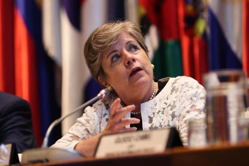 Executive Secretary Alicia Barcena of the UN Economic Commission for Latin America and the Caribbean (ECLAC) speaks at a meeting in Santiago, Chile, on Jan. 15, 2019, at which the organization presented a report saying that more than 10 percent of Latin Americans live in extreme poverty. EFE-EPA/Alberto Valdes