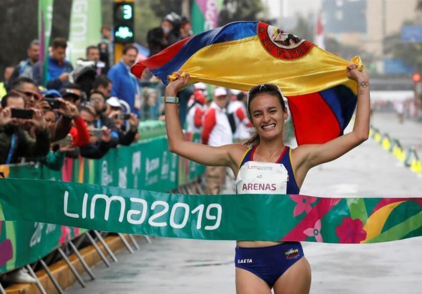 Sandra Arenas da a Colombia el primer oro en marcha y establece nuevo récord