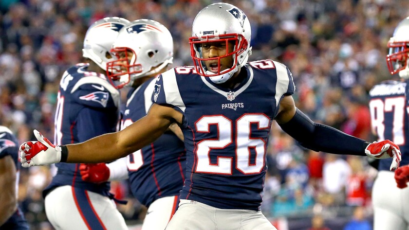 Sluggish Patriots hit their stride in 36-7 win over Dolphins