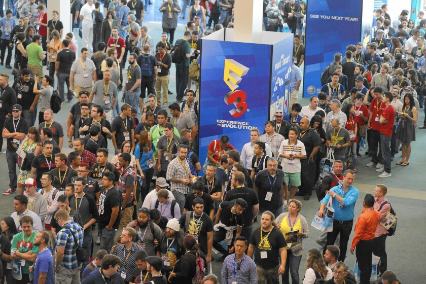 E3 lets in video game fans for first time