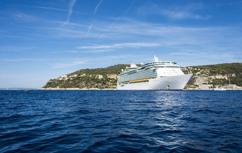 Royal Caribbean bottomless buffet poisons 195 passengers, hospitalizes 5