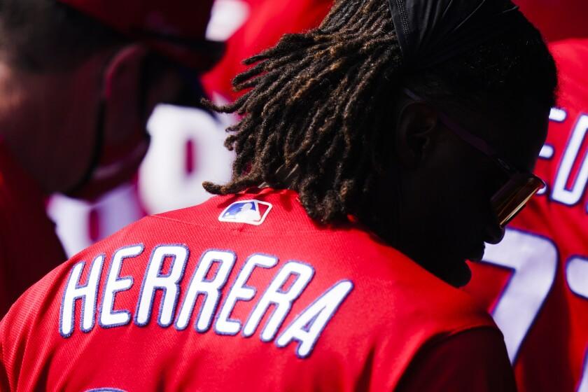 El venezolano Odúbel Herrera, de los Filis de Filadelfia