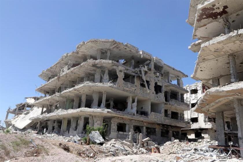 """El director del Estado Mayor Conjunto, el teniente general Kenneth McKenzie, aseguró hoy que """"nada ha cambiado"""" en la operación que tiene como objetivo derrotar al Estado Islámico (EI) en Siria, a pesar de que el presidente Donald Trump ha expresado su intención de dejar el país """"muy pronto"""". EFE"""