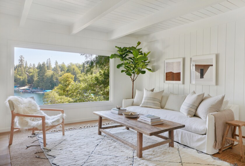 A Peek Inside A Lifestyle Influencer S Cozy All White Winter Cabin Los Angeles Times
