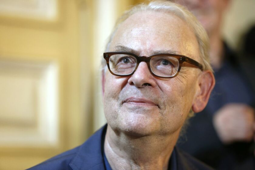 Patrick Modiano gives a press conference in Paris, on October 9, 2014, following the announcement of his Nobel Literature Prize earlier in the day.