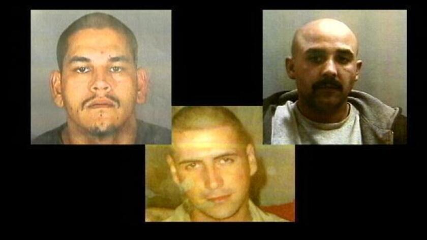 De izquierda a derecha: Anthony Silva, Jesse Aguilar y Juan Vallejo en la esquina.