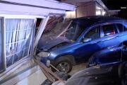 Minivan crashes into La Mesa home; homeowner says 'might as well laugh'