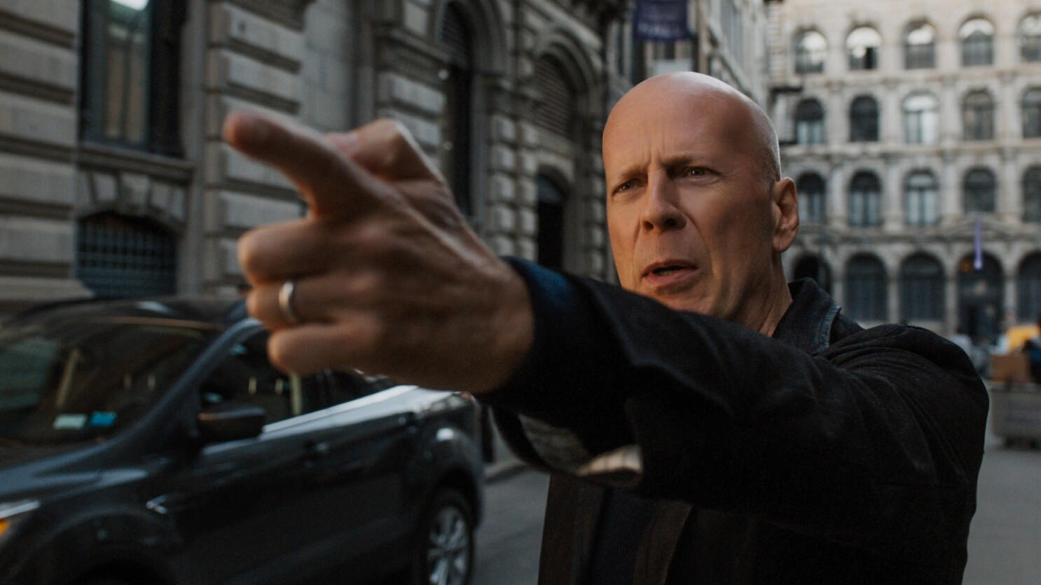 Review Bruce Willis Takes Aim And Misfires In An Imbecilic Death
