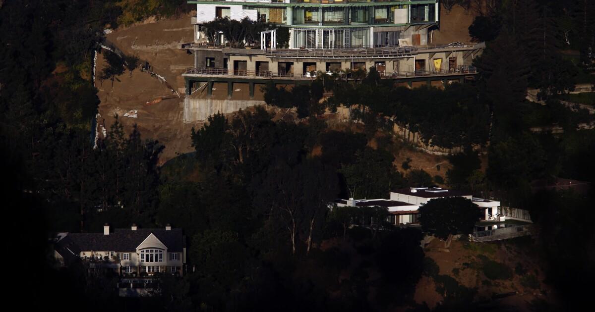 Ein Richter ordnete die Hadid, Villa in Bel-Air abgerissen. Aber jetzt gibt es eine rechtliche logjam