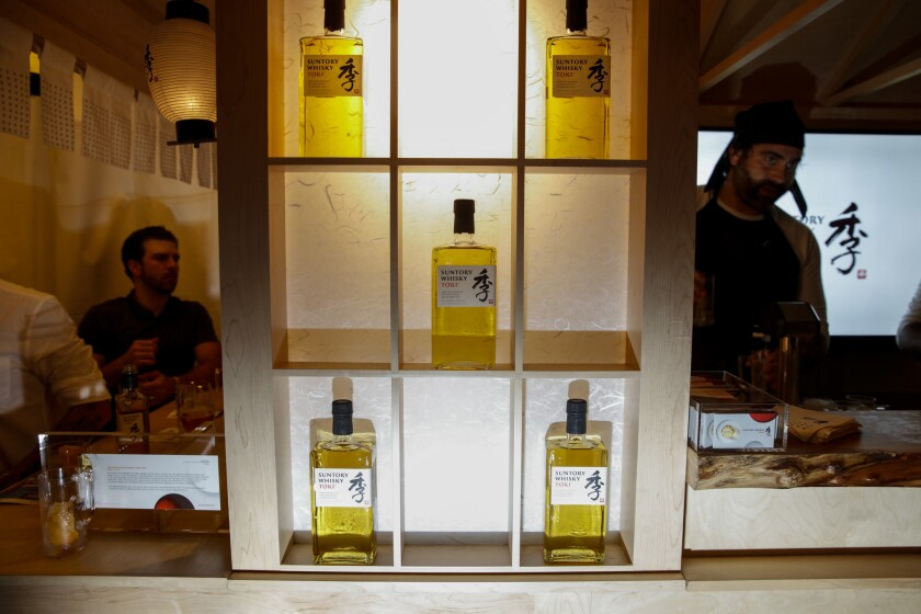 Suntory Whisky served highballs of soda water and their whiskey.