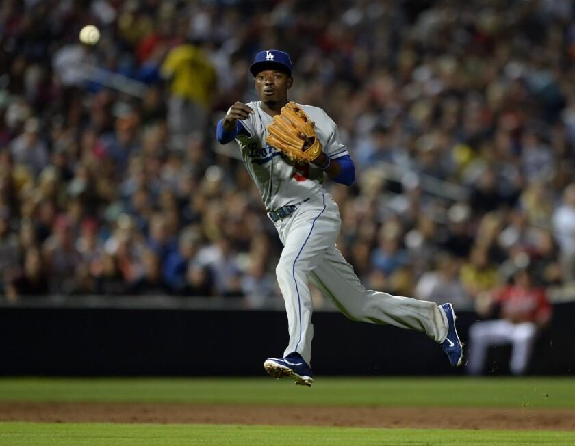 Dee Gordon, Scott Van Slyke among Dodgers working out in center field
