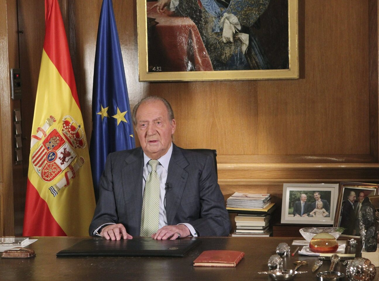 King Juan Carlos of Spain addresses citizens