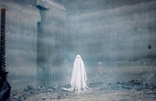 'A Ghost Story' movie review by Justin Chang