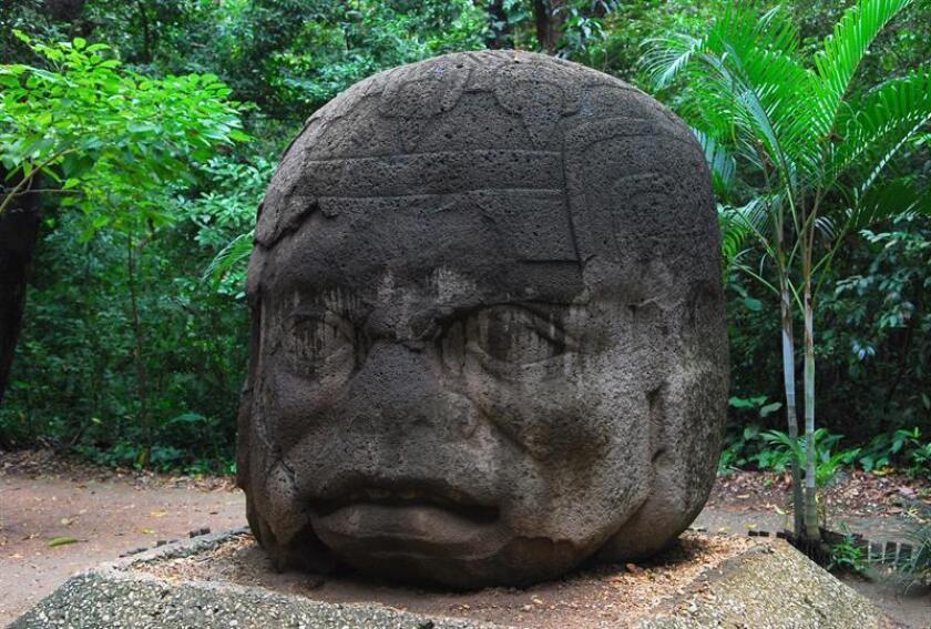 Dos ciudadanos indonesios fueron detenidos por presuntamente manchar con aceite de bebé 15 piezas arqueológicas de la cultura Olmeca, informó hoy el gobierno del suroriental estado mexicano de Tabasco. EFE/Archivo