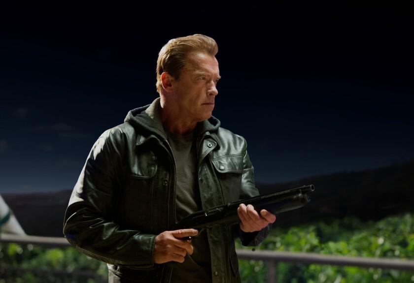 """Fotografía provista por Paramount Pictures muestra a Arnold Schwarzenegger en una escena de la cinta """"Terminator Genisys""""."""