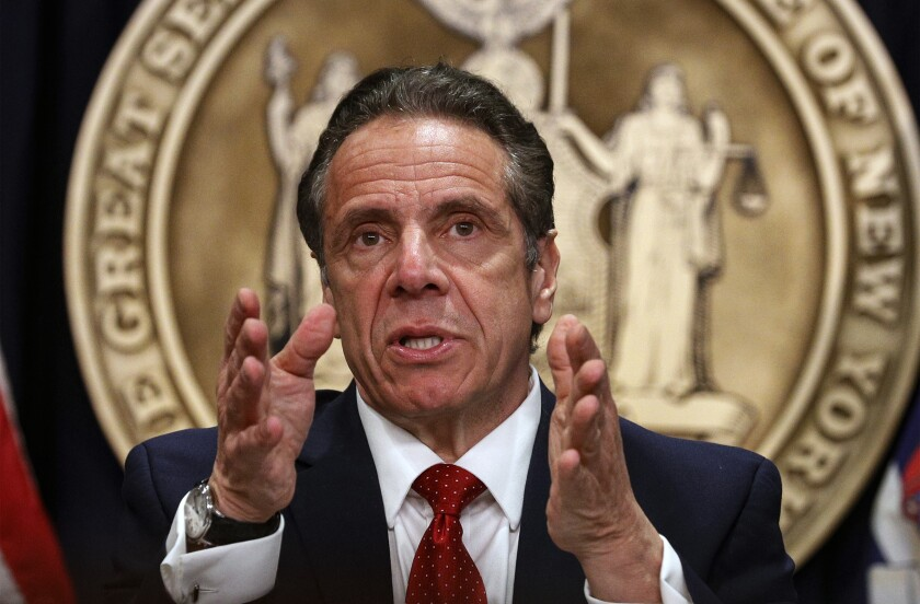 En esta fotografía del 24 de marzo de 2021, el gobernador de Nueva York, Andrew Cuomo