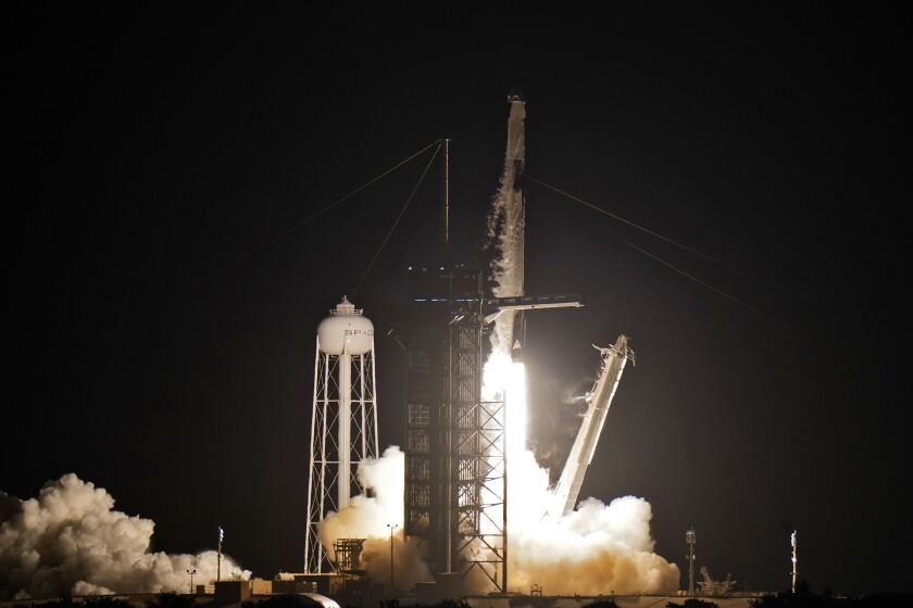 SpaceX manda a 4 turistas a vuelo espacial de 3 días