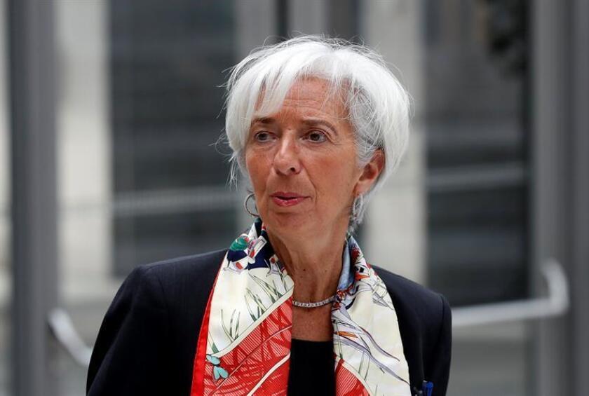 El Fondo Monetario Internacional (FMI) advirtió hoy de nuevos riesgos en el sistema financiero ante las demandas para desregular el sector, cuando se cumple una década del inicio de la crisis desatada por el colapso del banco de inversión Lehman Brothers. EFE/Archivo