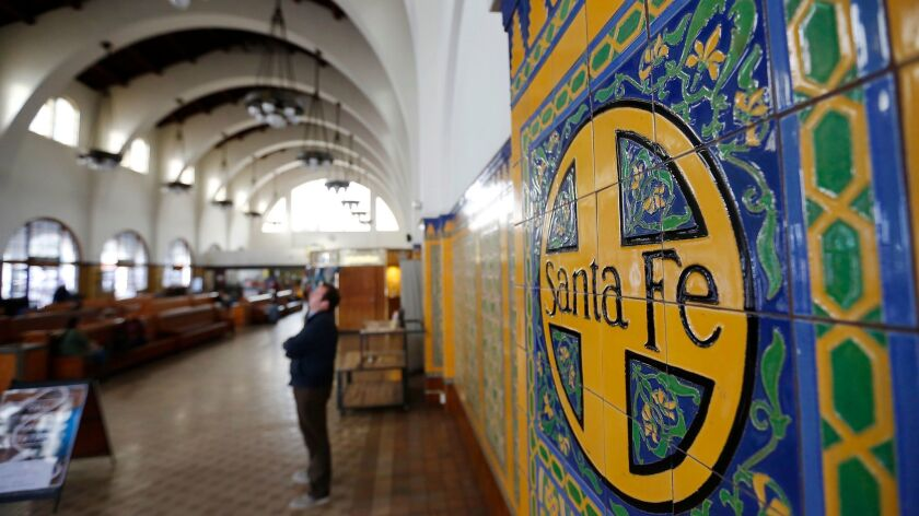 New Owners Of Historic Santa Fe Depot Considering Putting Back Neon Sign The San Diego Union Tribune