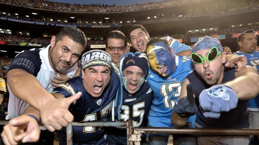 pac-sddsd-101215-san-diego-chargers-vs-20160819-001