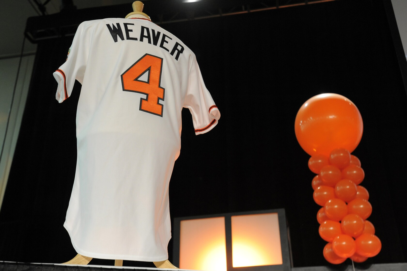 check out 26f1f bc463 Earl Weaver dies at 82; Hall of Fame manager of Baltimore ...