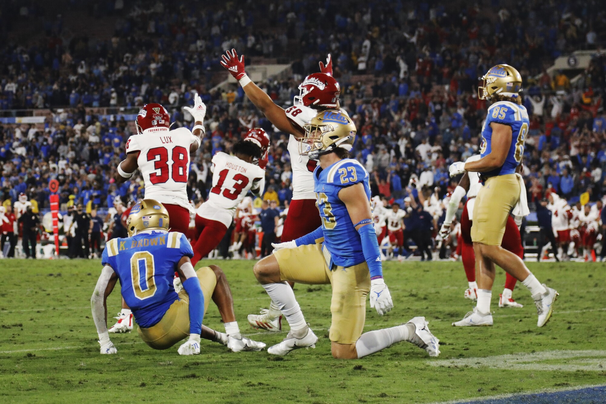 Photos: Fresno State upsets No. 13 UCLA at the Rose Bowl - Los Angeles Times