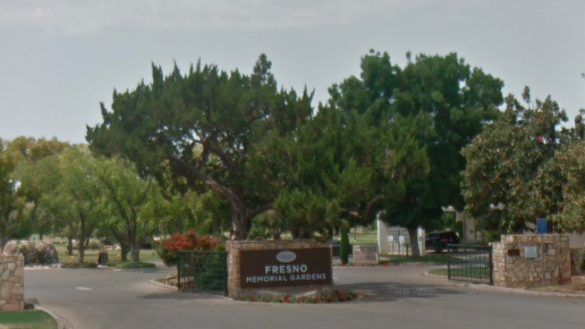 A Fresno Family Was Banned From Their Parents Burial Los