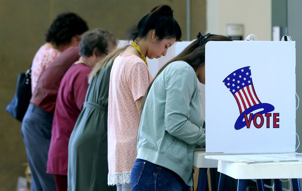 Photo Gallery: Crowds come out to vote in Glendale