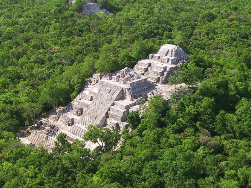 El mayor problema en la construcción del Tren Maya es el impacto en el medio ambiente, afirmó hoy el encargado del proyecto y próximo director del Fondo Nacional de Fomento al Turismo (Fonatur), Rogelio Jiménez Pons. Imagen de un asentamiento arqueológico en el sur de Calakmul. EFE/INAH/SOLO USO EDITORIAL