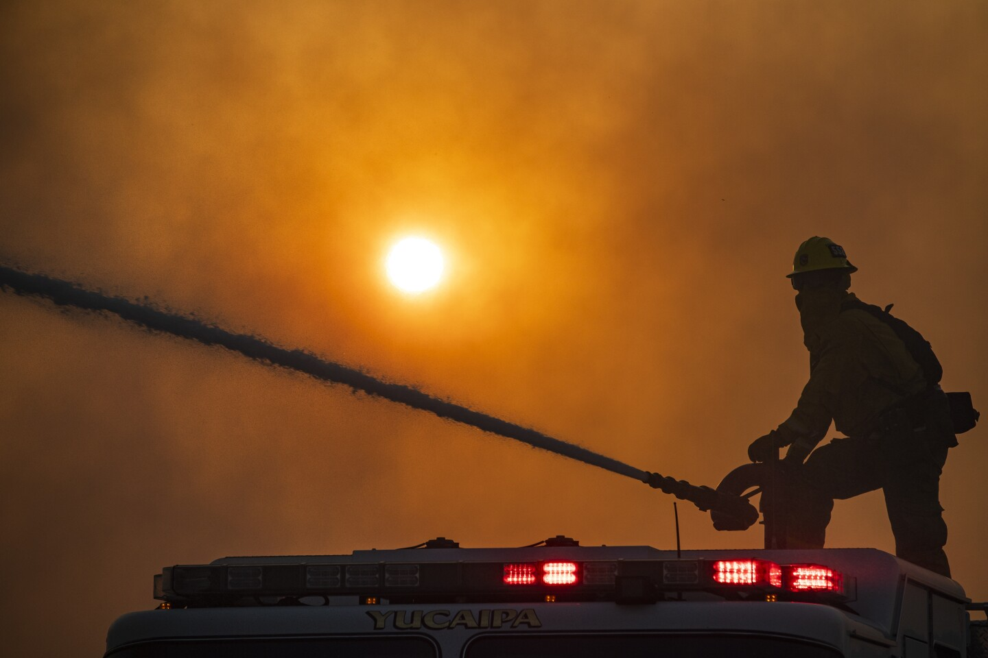 Santa Ana winds drive Inland Empire wildfires