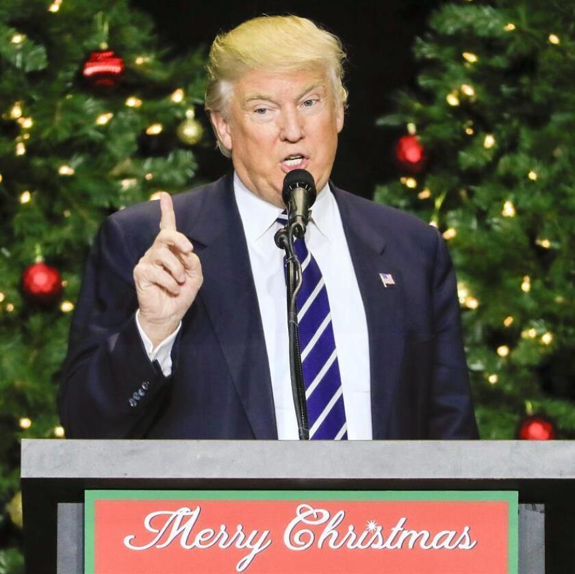 El presidente electo Donald Trump, habla durante su gira de agradecimiento junto al vicepresidente electo, Mike Pence, en el Wisconsin State Fair Exposition Center en West Allis, Wisconsin, EE.UU. EFE/Archivo