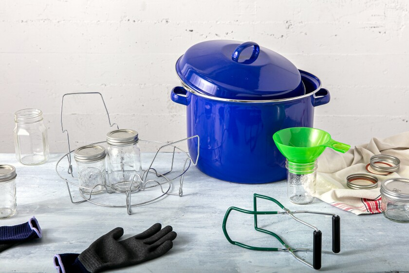 The right equipment for canning jam