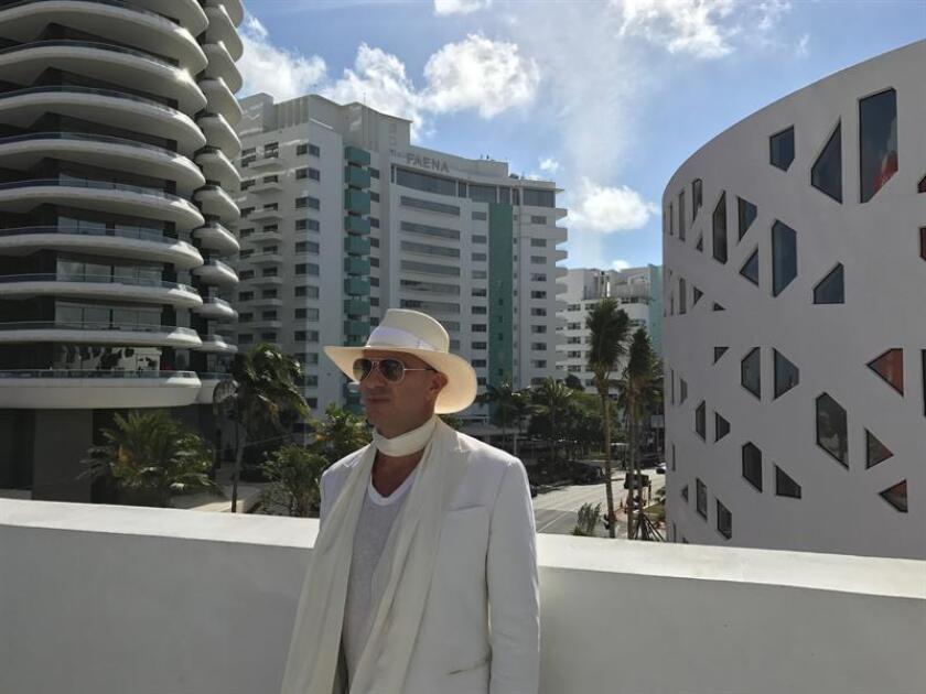 El empresario argentino Alan Faena posa para Efe durante una entrevista hoy, martes 29 de noviembre 2016, en Miami, Florida. EFE