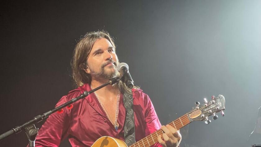 El show 'Origen Tour' no necesita de grandes efectos especiales, solamente la guitarra de Juanes