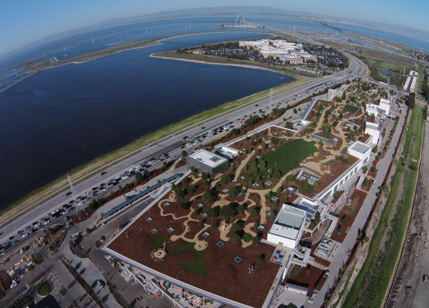 Facebook's new headquarters building in Menlo Park has a park on its roof.