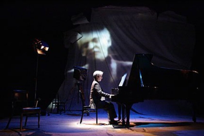 In his new solo show at the Old Globe Theatre, Hershey Felder portrays Leonard Bernstein, the late, great American composer and conductor.