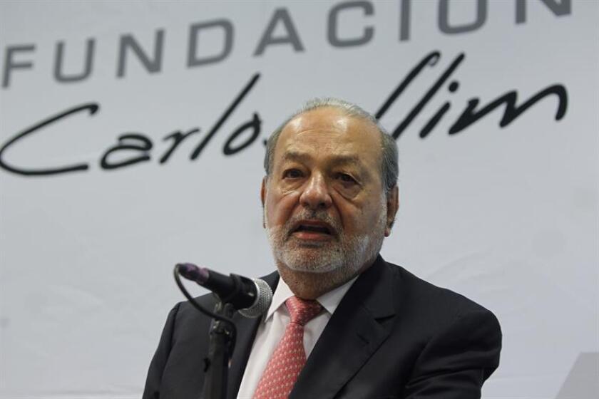 El empresario mexicano Carlos Slim ofrece una rueda de prensa en Ciudad de México. EFE/Archivo