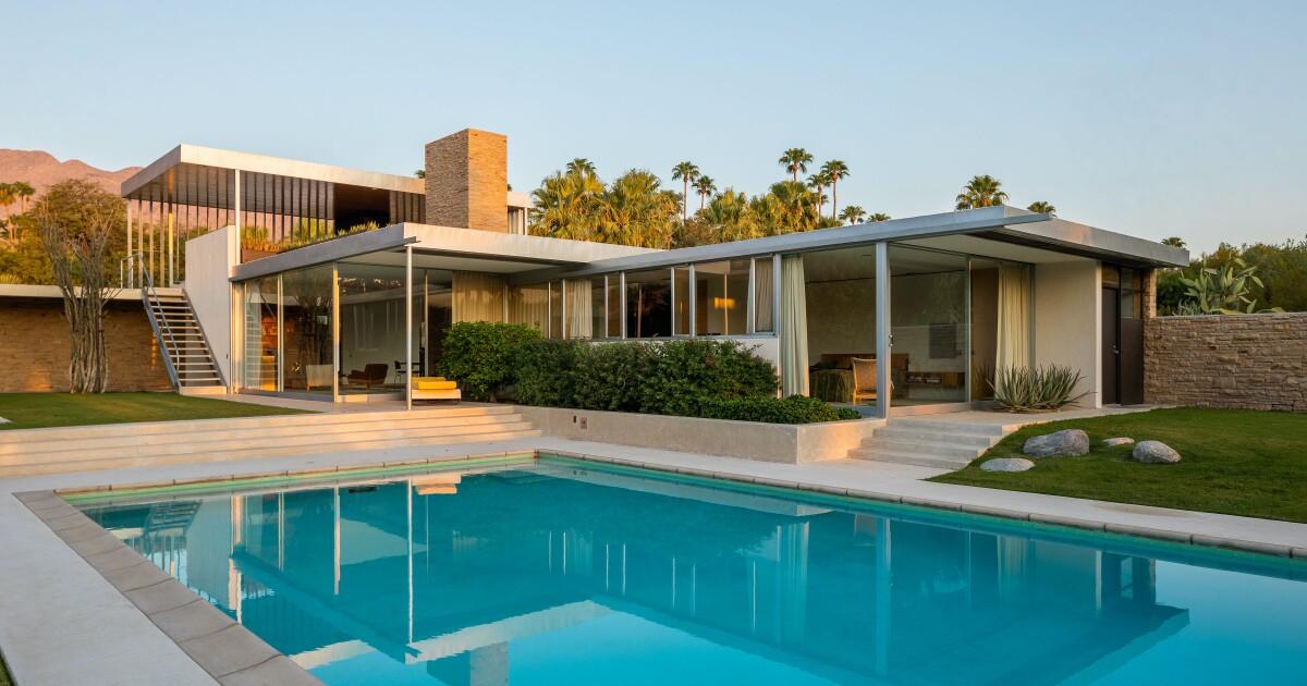 In Palm Springs, Neutra's famed Kaufmann Desert House aims for $25 million