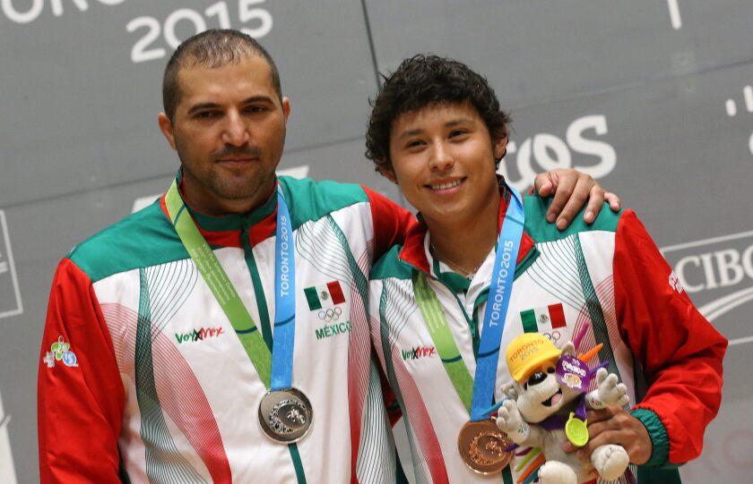 México cerró como el líder del medallero en el raquetbol de Toronto 2015, luego de que Daniel de la Rosa y Álvaro Beltrán se llevaran el oro en la modalidad por equipos.