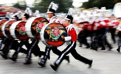 Rose Parade: Akashikita band