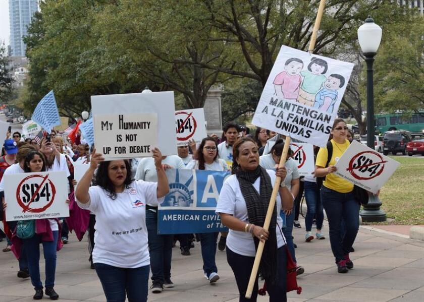 """Ciudades """"santuario"""" celebran hoy un nuevo triunfo en la corte para bloquear la decisión del Gobierno de limitarles fondos federales por no cooperar con Inmigración y prometen mantener sus valores y resistir el """"acoso ilegal"""" del presidente Donald Trump contra los indocumentados. EFE/ARCHIVO"""