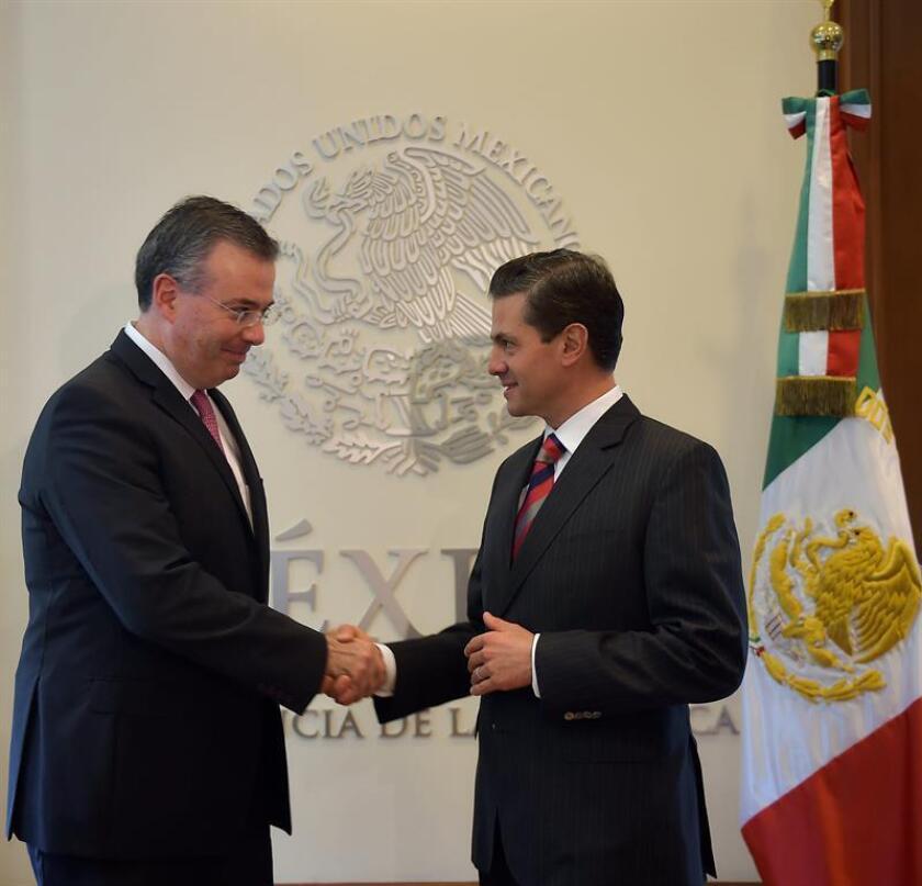 Peña Nieto designa a egresado de Yale para encabezar el Banco de México