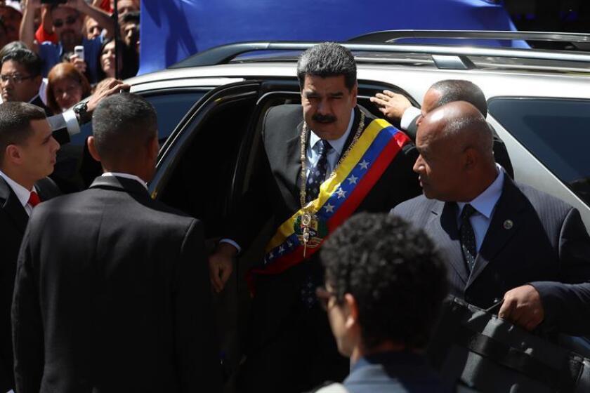 El presidente de Venezuela, Nicolás Maduro (c), llega a la Asamblea Nacional Constituyente (ANC) para la entrega de su memoria y cuenta, el lunes 14 de enero de 2019, en Caracas (Venezuela). EFE/Archivo