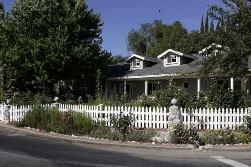 U.S. homeownership hits a 15-year low, Census Bureau finds