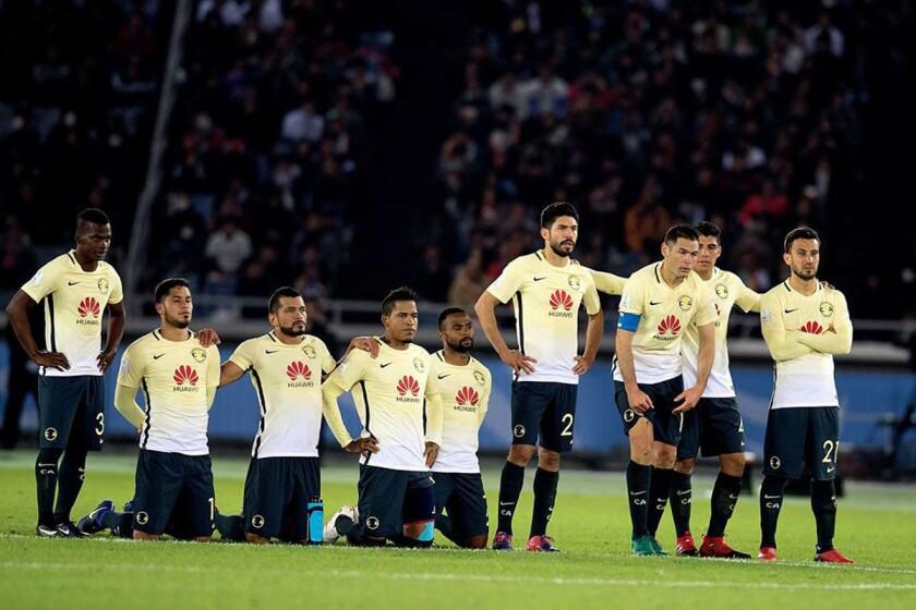 Jugadores del América tras perder en penaltis en juego por el tercer lugar del Mundial de Clubes 2016.