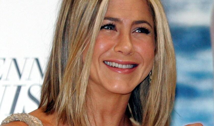"""Aniston se encuentra trabajando en la película """"Dumplin"""", que trata sobre los concursos de belleza para niñas, en la cual ella interpreta a una ex concursante."""