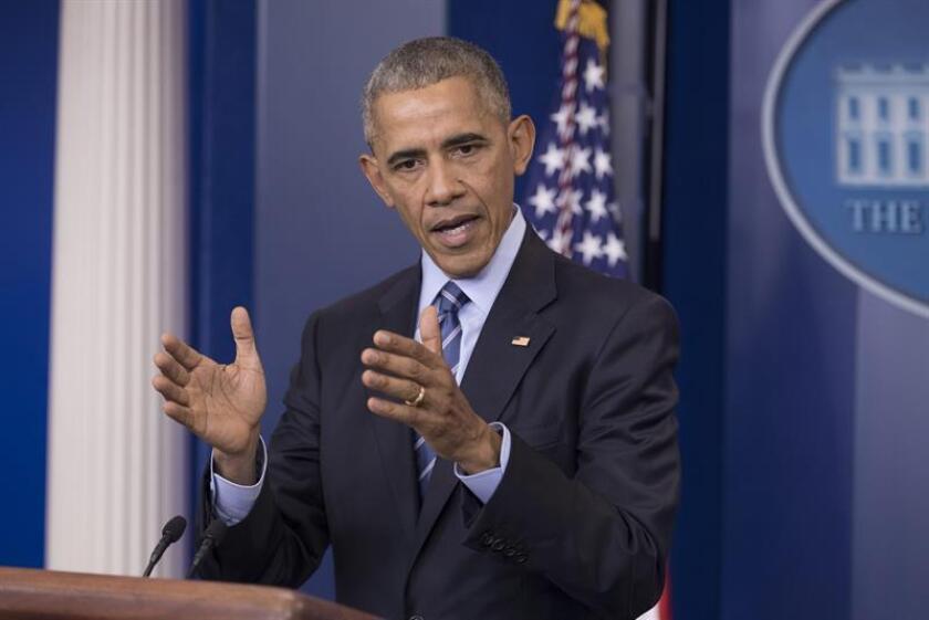 El presidente, Barack Obama, se reunirá este 4 de enero con legisladores de su partido para diseñar una estrategia con vistas a proteger su reforma sanitaria, que ha prometido desmantelar su sucesor, el republicano Donald Trump. EFE/ARCHIVO