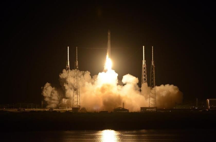 El lanzamiento previsto para hoy desde Cabo Cañaveral, en Florida, de un cohete que transportará un satélite que forma parte de un sistema de detección de misiles fue postergado hasta el viernes por la compañía United Launch Alliance. EFE/ARCHIVO