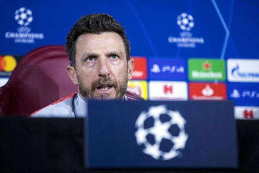 El entrenador de la Roma, Eusebio Di Francesco da una rueda de prensa este lunes en el Centro Deportivo Trigoria en Roma (Italia), en la víspera del partido de la Liga de Campeones de la UEFA contra el Oporto. EFE